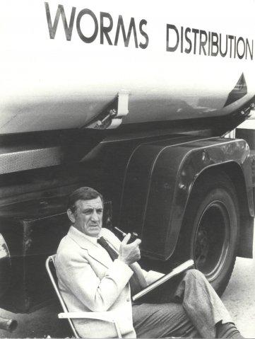 Publicité Worms Distribution - Lino Ventura